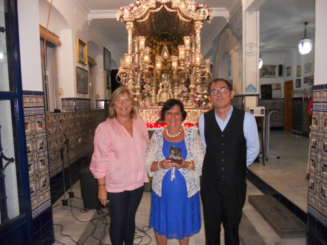 Loli Garrido Camacho canta la Salve en la Hermandad del Rocío de Isla Cristina