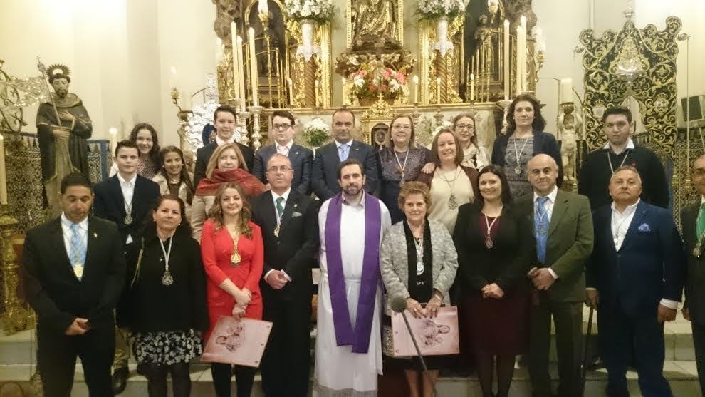 La Hermandad del Rocío de Isla Cristina Peregrina hasta las plantas de la Virgen de la Bella
