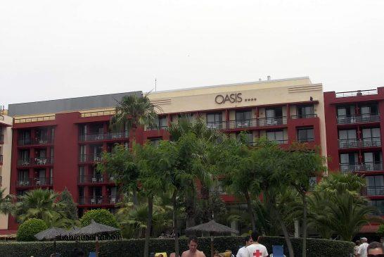 100_3764 Hotel Oasis