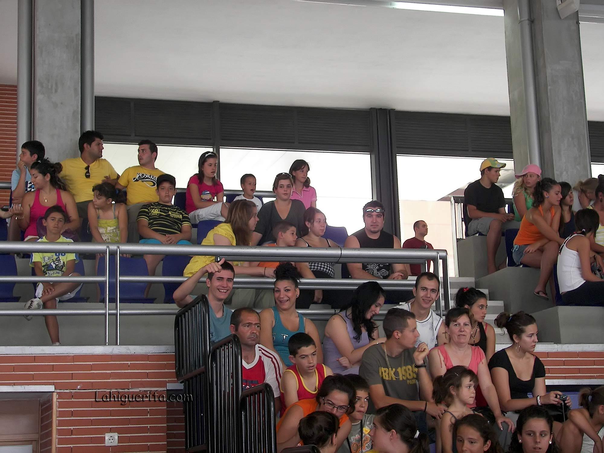 100_3778 fans fisica y quimica – Aguila Roja