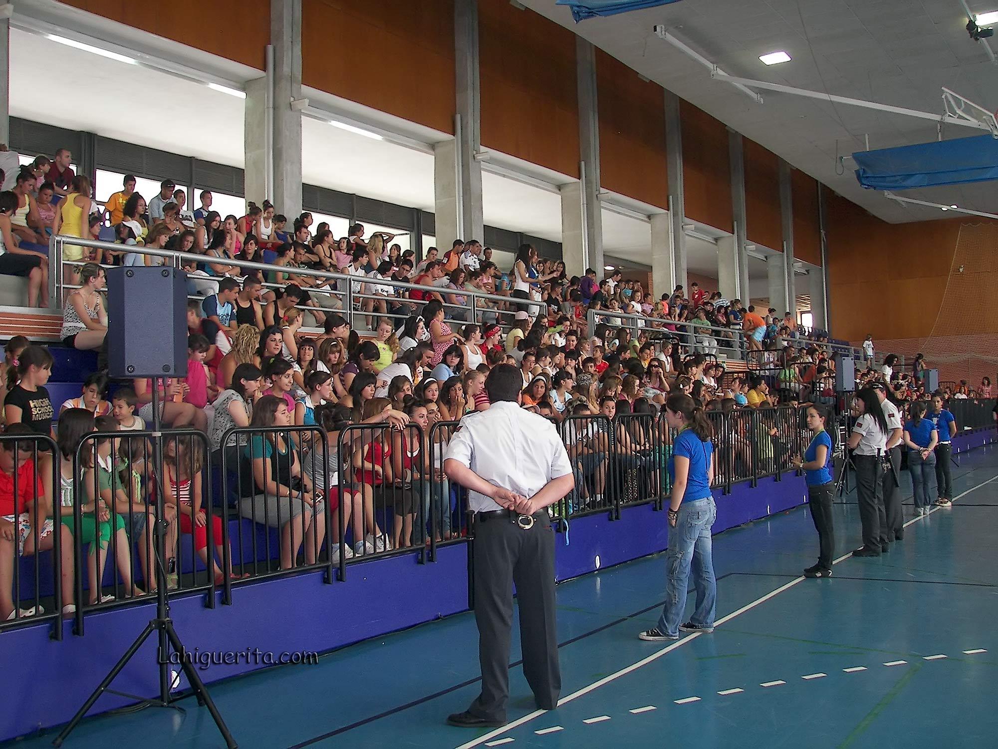 100_3779 fans fisica y quimica – Aguila Roja