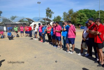 """Partida de petanca entre los equipos de """"Las Delicias – Huétor Tájar"""" de la liga andaluza 2017 celebrada en Isla Cristina"""