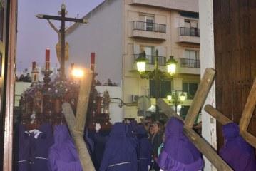 Salida procesional de la hermandad de los 33 en la Semana Santa de Isla Cristina 2018