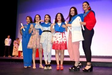 Entrega de Orla y Banda en la Gala de graduación de 4º del IES Miravent de Isla Cristina