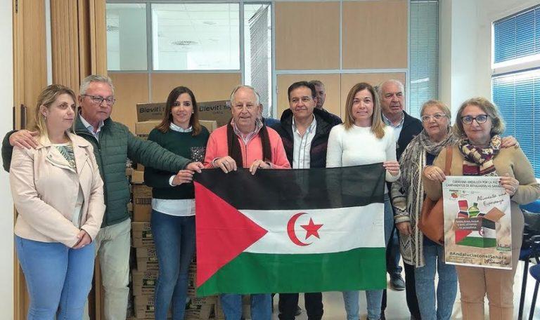 La asociación isleña Manos Solidarias dona a los campamentos saharauis más de una tonelada de alimentos