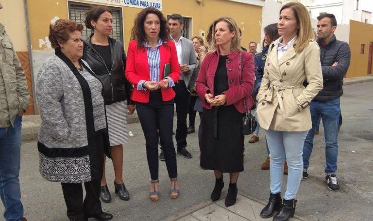 La alcaldesa isleña recibe a la Consejera de Igualdad