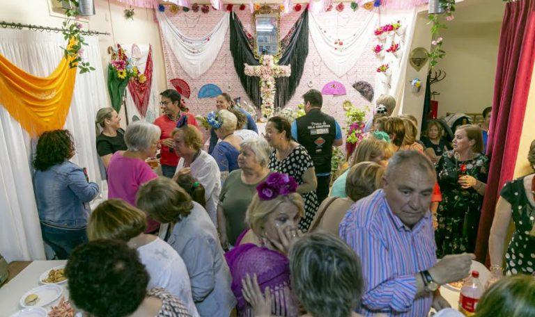 Las Asociaciones isleñas se unen a la celebración de la festividad de la Cruces de Mayo