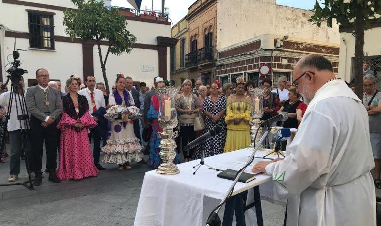 Los más de seiscientos romeros isleños ya caminan haca El Rocío